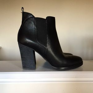 🆕Listing Marc Fisher Boots Size 8.5M